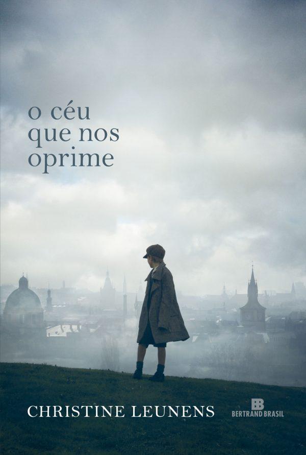 Capa do livro O céu que nos oprime, que inspirou o filme JoJo Rabbit, que concorre ao Oscar 2020 de Melhor Roteiro Adaptado.